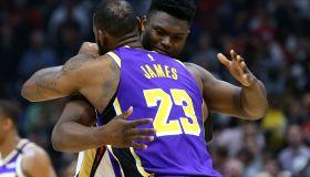 Lebron James Embraces Zion Williamson